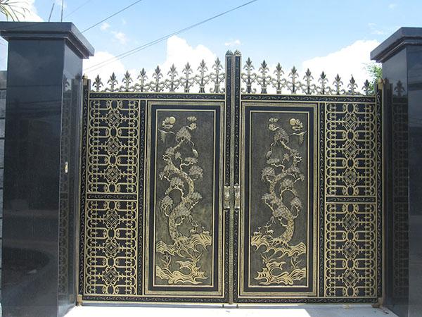 Mẫu cổng nhà đẹp sang trọng cho nhà biệt thự 2016