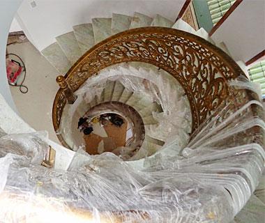Mẫu cầu thang nhôm đúc - CT05