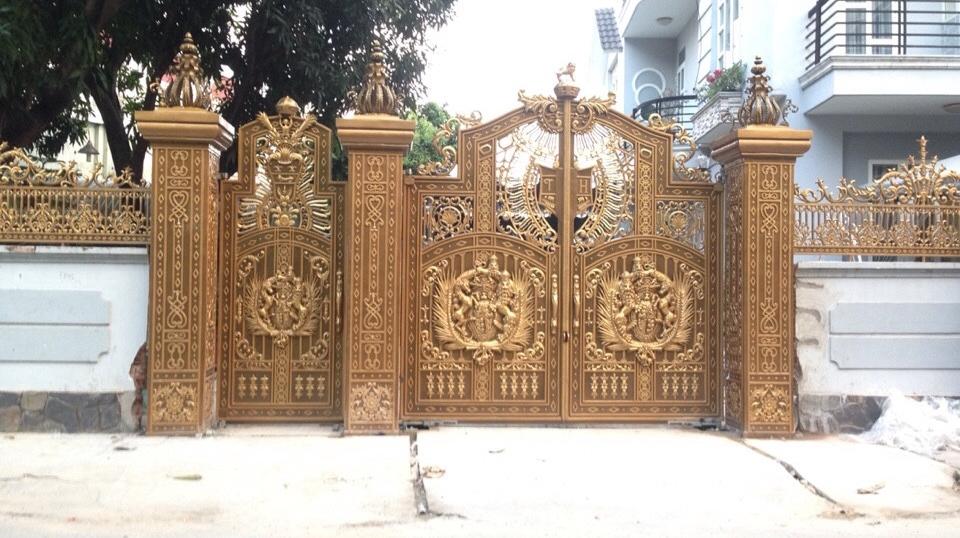 Thi công cổng nhôm đúc tại Vĩnh Long