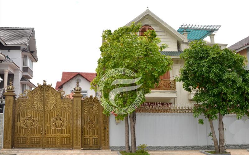 Công trình cổng nhôm đúc quận Tân Bình TPHCM